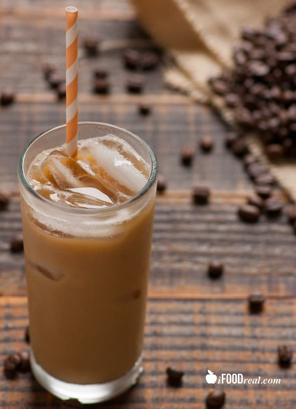 vertical-skinny-vanilla-iced-coffee-recipe