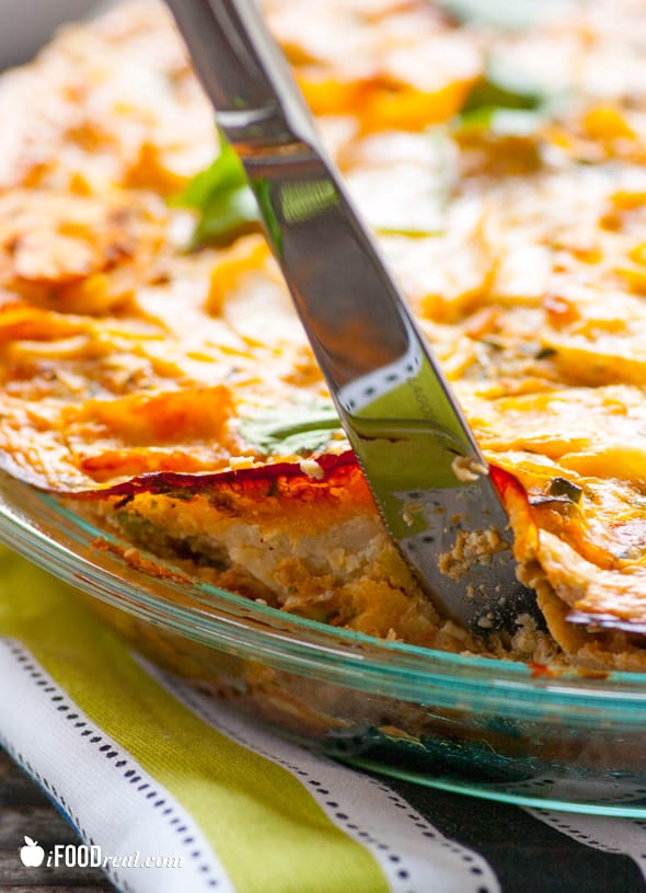 knife-crustless-zucchini-enchilada-quiche