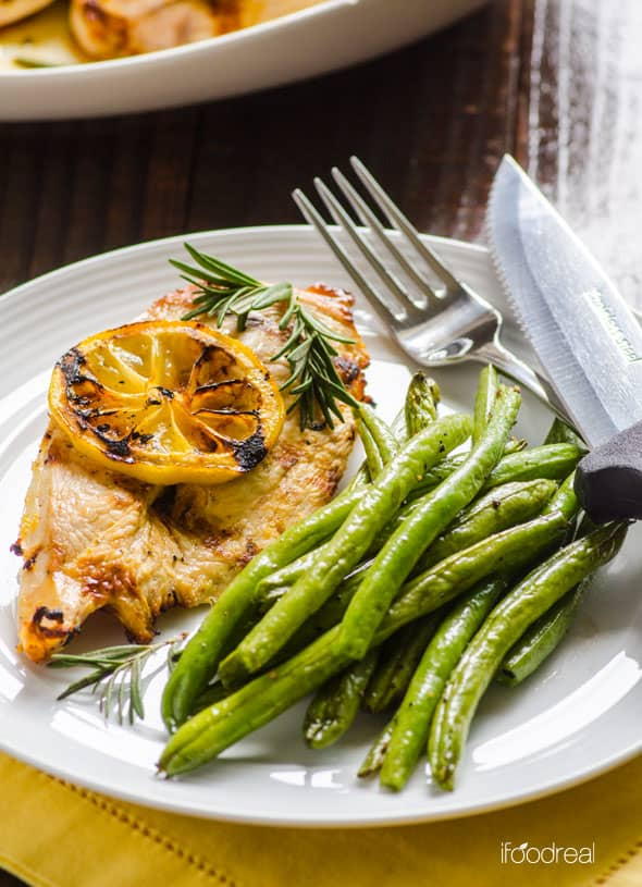 plate-lemon-rosemary-chicken=green-beans-recipe