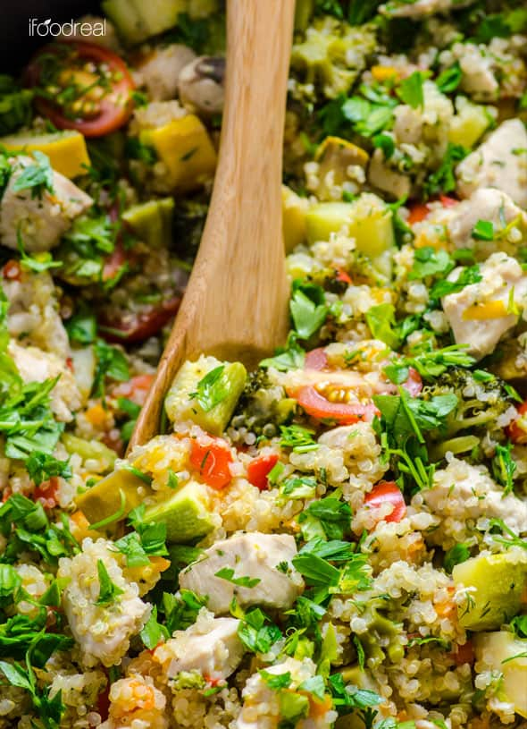 Chicken and Garden Veggies Quinoa Skillet Recipe -- Under 40 minutes and you have a healthy dinner with leftovers the whole family will love. Use any firm veggies like zucchini, tomatoes, corn you got on hand. | ifoodreal.com