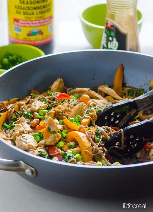 closeup-wok-plate-peanut-chicken-soba-noodles-kale-recipe