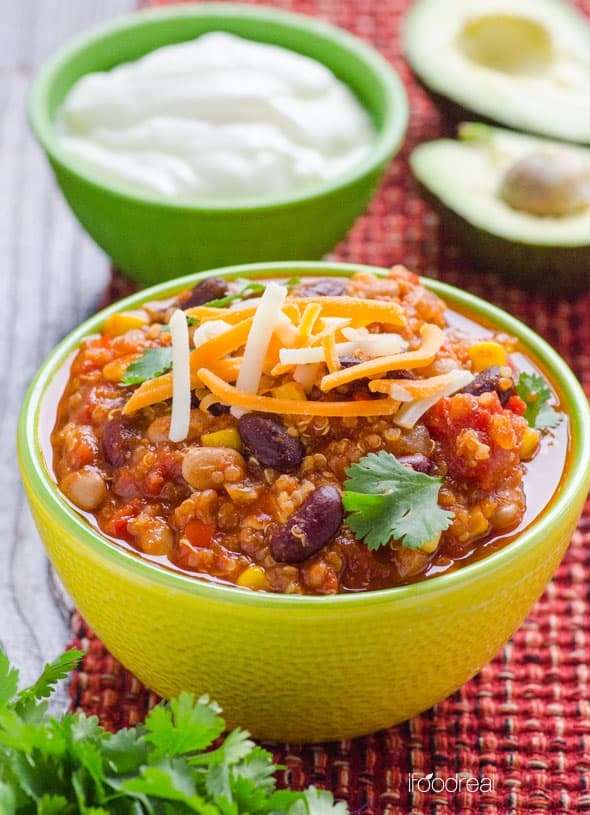 Easy Quinoa Chili with Slow Cooker Option - iFOODreal ...