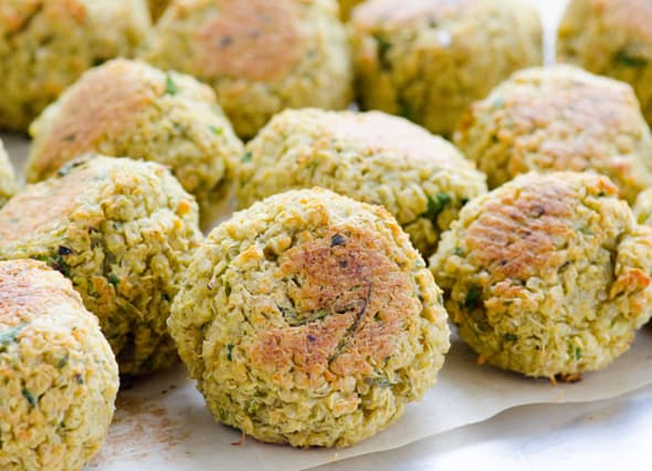 Quinoa Falafel recipe is baked crispy on the outside and moist inside. Serve with Tahini sauce in salads or pita. Freeze leftovers for busy weeknights. | ifoodreal.com