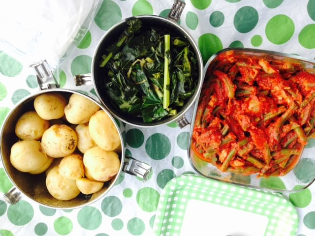 Saucy Green Beans and Chicken is a 4 ingredient one pan healthy dinner recipe with green beans, chicken breast, tomato sauce and tomato paste.   ifoodreal.com
