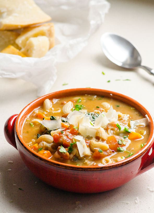 bowl-creamy-minestrone-soup-recipe