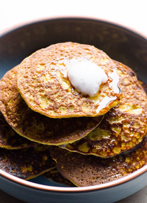 Flourless Pumpkin Pancakes are fluffy, healthy, grain free pancakes made with pumpkin puree, eggs, banana, oats and pumpkin pie spice. | ifoodreal.com