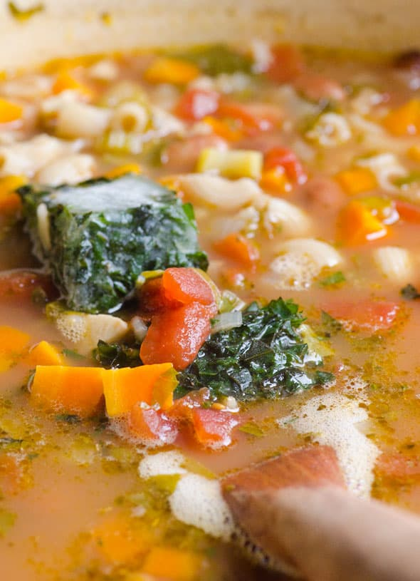 herbs-creamy-minestrone-soup-recipe