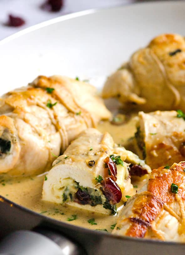 Chicken Stuffed with Brie, Spinach and Cranberries makes clean and simple dinner or a fancy chicken recipe for any occasion. Moist, flavourful and juicy. | ifoodreal.com