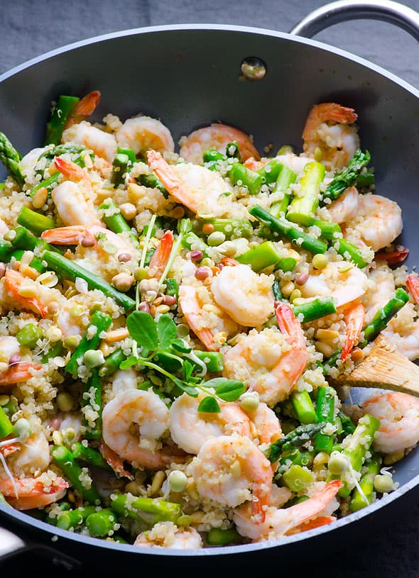 Asparagus, shrimp and quinoa stir fry with fragrant garlic and moderate amount of butter. Delicious 30 minute healthy dinner recipe. | ifoodreal.com