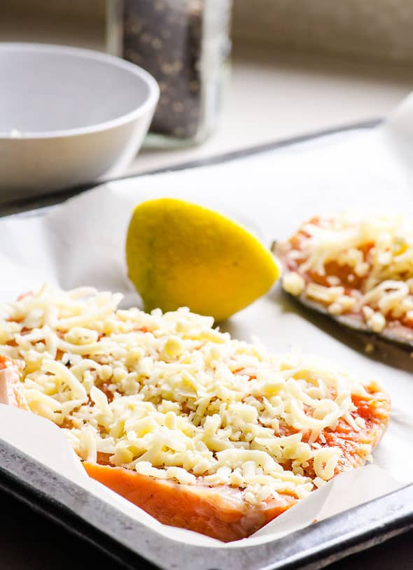 Baked salmon with cheese, garlic and lemon juice. Moist, quick, delicious and healthy baked salmon recipe. | ifoodreal.com