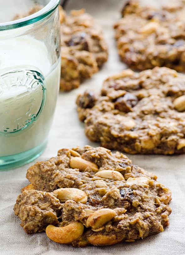 Sugar Free Oatmeal Cookies is healthy trail mix cookies recipe with oats, flaxseed, bananas, coconut oil, dried fruit and no flour or sugar. | ifoodreal.com