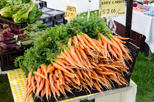 carrots-farmers-market-must-buys