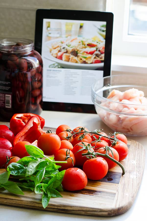 tomatoes, chicken breast, olives, basil, bell pepper
