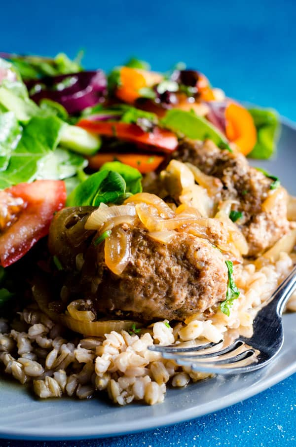 Sweet Onion Turkey Quinoa Meatballs is a healthy and easy meatballs recipe with lean ground turkey, uncooked quinoa and lots of caramelized onions. | ifoodreal.com