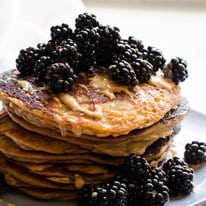 thumb-peanut-butter-protein-pancakes
