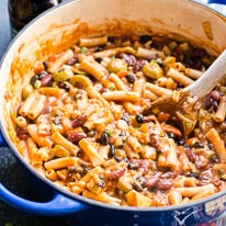One Pot Chili Mac with Beer