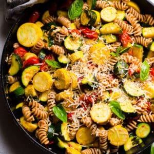 Pasta with Zucchini and Tomatoes