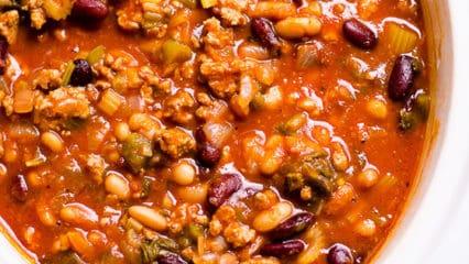 Healthy Turkey Chili Recipe (Video)