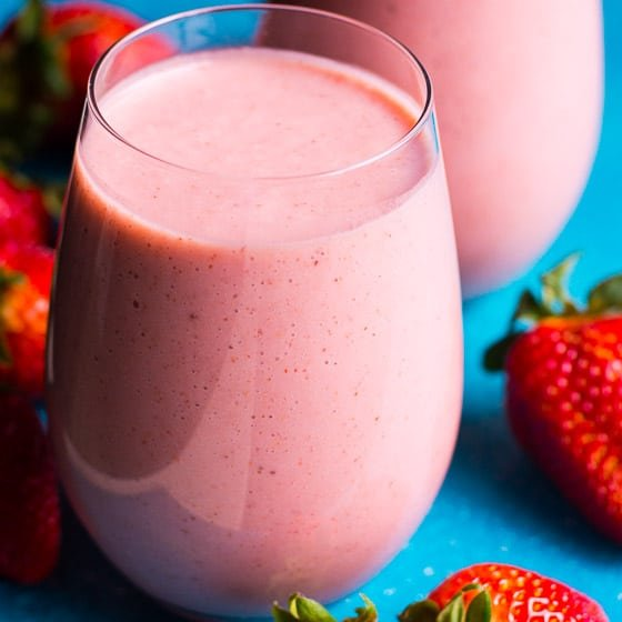 4 Ingredient Strawberry Smoothie Recipe Ifoodreal Com Healthy Family Recipes