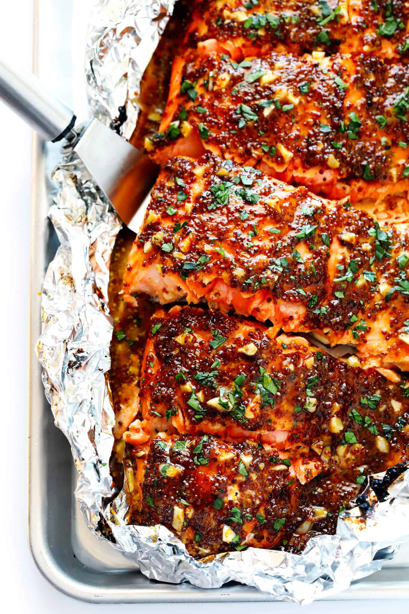 15 Best, Easy and Healthy Salmon Recipes in 30 minutes or less that you should be making for dinner. Stop wondering what to do with salmon!