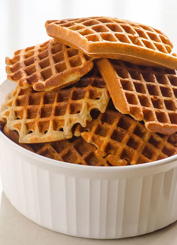 Crispy Almond Flour Waffles recipe that will exceed your expectations. Delicious gluten free waffles and yet with super simple ingredients. See for yourself!