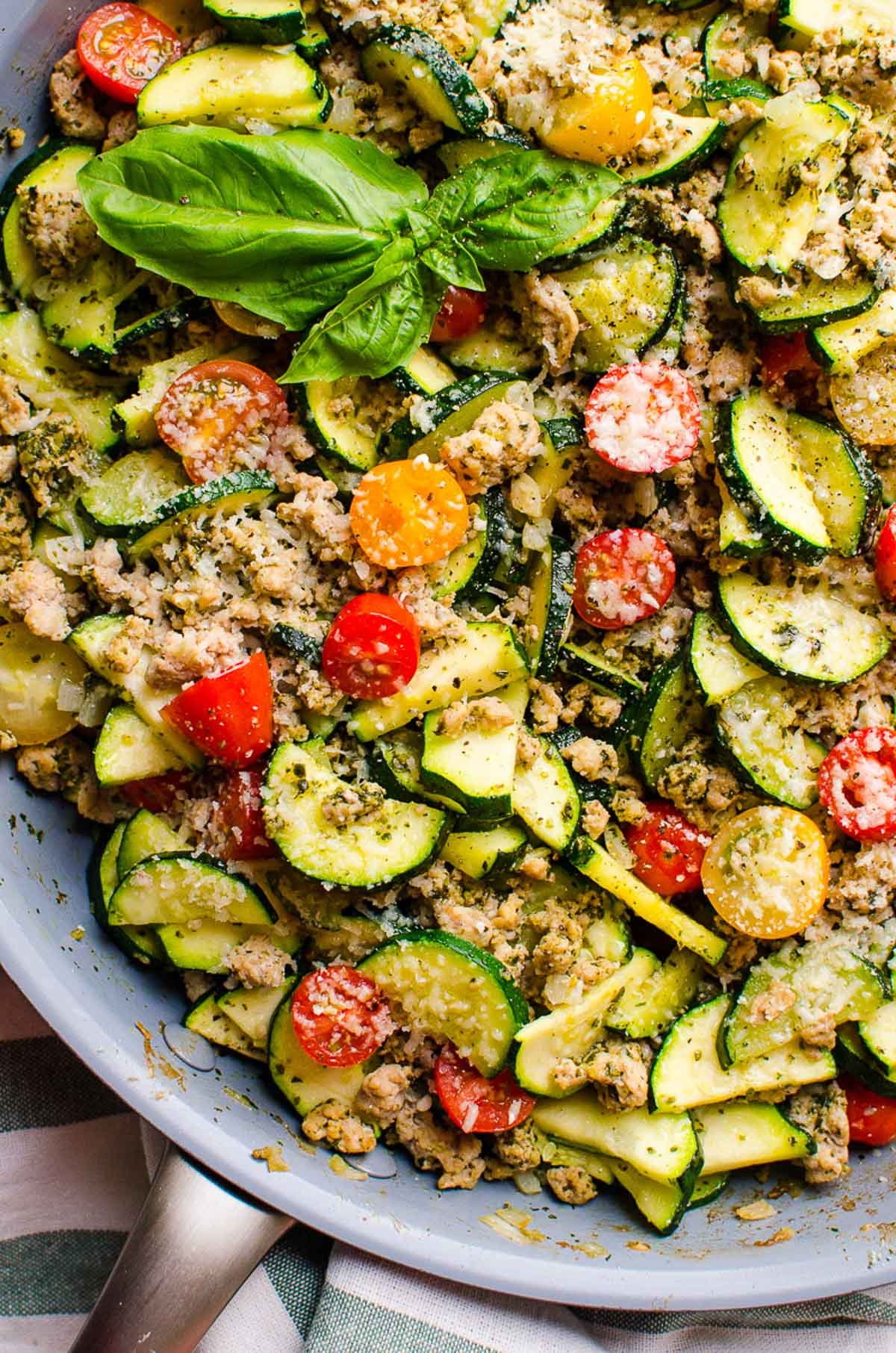 This 30 Minute Healthy Ground Turkey Zucchini Skillet with Pesto is delicious low carb one pot dinner recipe that will become your family's favourite.