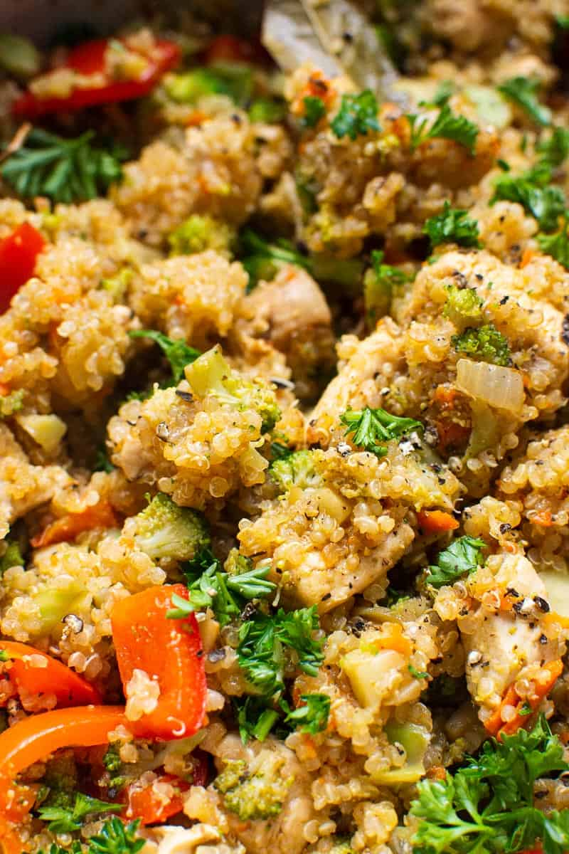 Chicken Quinoa with broccoli and bell pepper