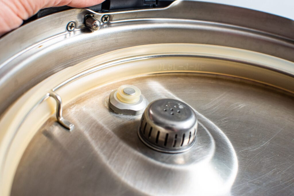 instant pot lid inside