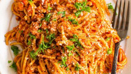 Instant Pot Spaghetti (Video)