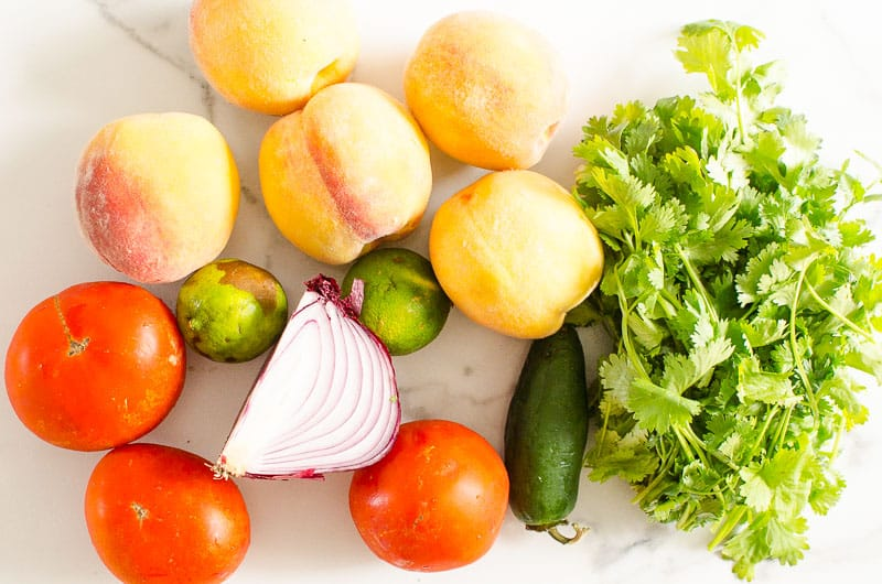 duraznos, tomates, cilantro, lima, jalapeño