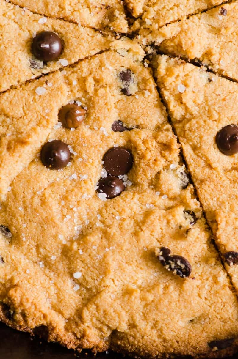 skillet cookie with chocolate chips and sea salt closeup