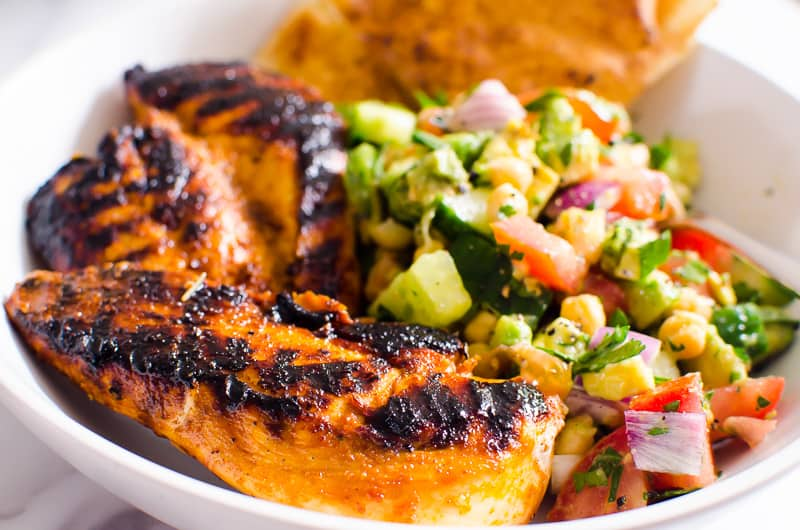 Garbanzo Salad served with fajita chicken and pita