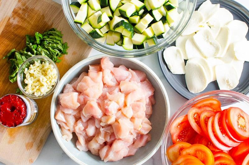 chicken, zucchini, tomatoes, mozzarella cheese, garlic, basil, tomato paste