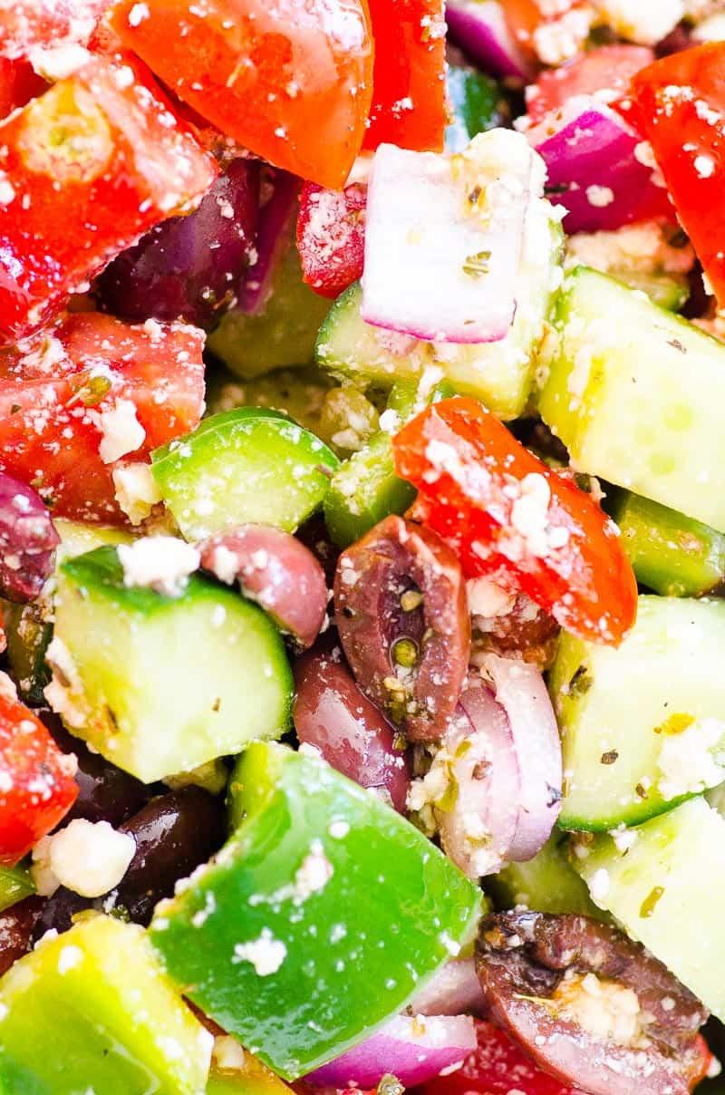 Primer plano de ensalada griega