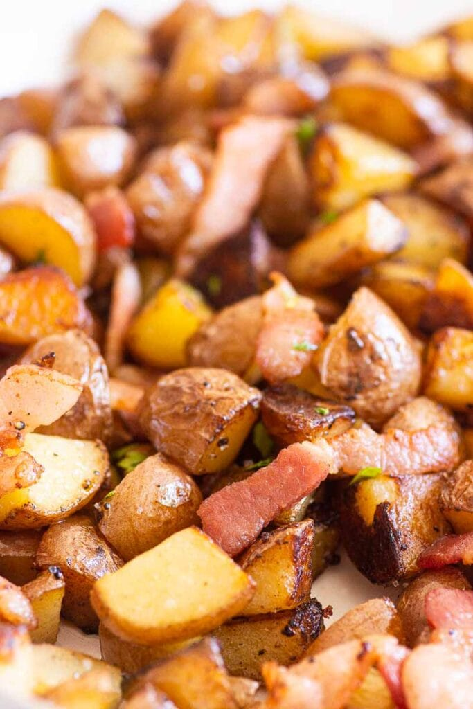 skillet potatoes with bacon and parsley