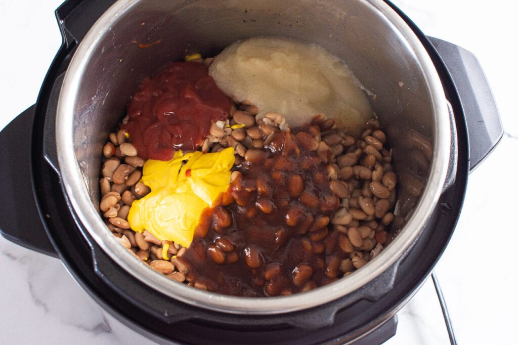 instant pot baked beans with sauce and spices