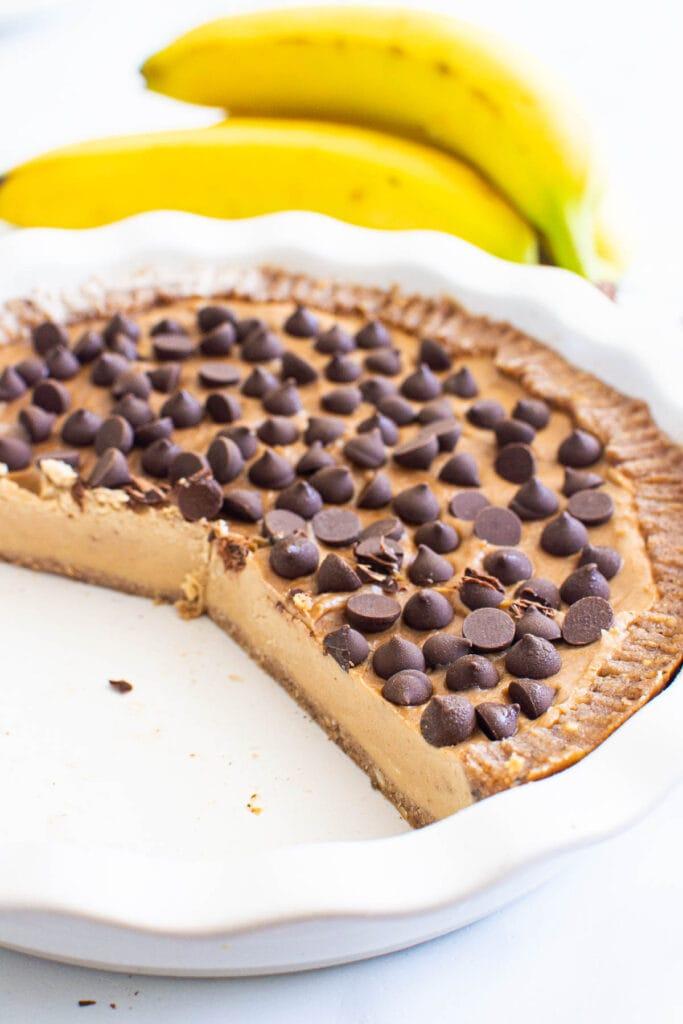 no bake peanut butter pie in pie pan