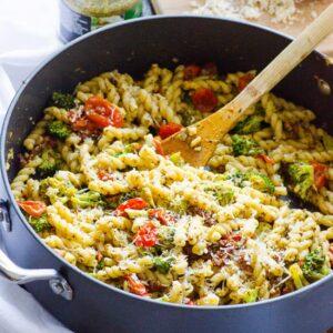 Healthy Pasta with Pesto and Broccoli