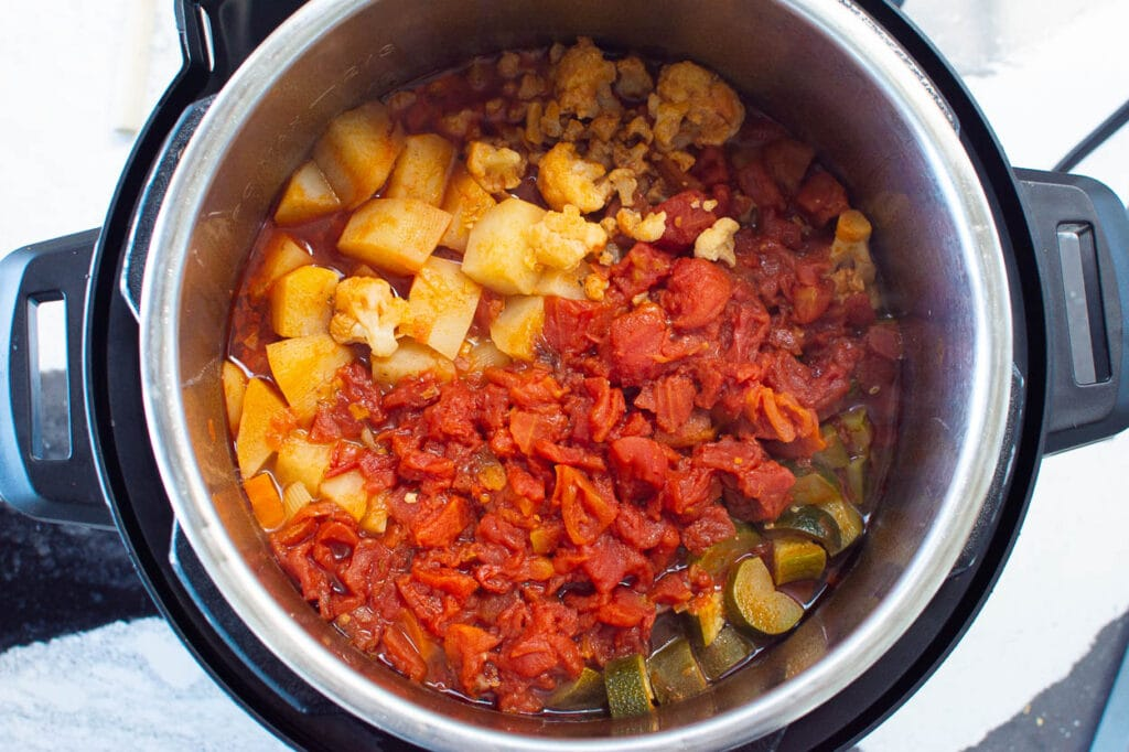 finished cooking vegetable soup in instant pot